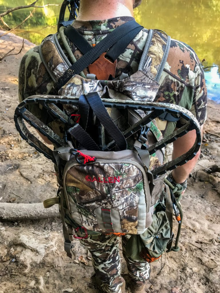 mobile hunting setup with allen summit 930 daypack